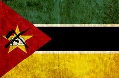 Grungy pappers- flagga av Mocambique vektor illustrationer