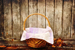 Grungy picnic basket Stock Images