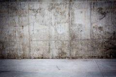 Grungy podłoga jako tło i betonowa ściana Zdjęcia Stock