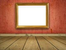Grungy roter Raum mit unbelegtem Goldfeld. Lizenzfreies Stockbild