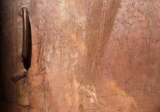 Grungy stara ośniedziała drzwiowa tekstura i tło Zdjęcie Royalty Free