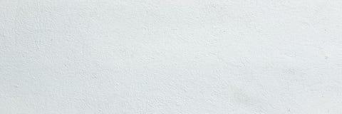 Grungy Weiß gemalte Wandbeschaffenheit als Hintergrund Weißer Wandhintergrund der gebrochenen konkreten Weinlese, alte gemalte Wa Lizenzfreie Stockfotos