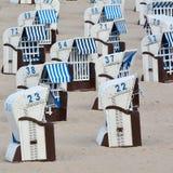 grunt fält för strandstolsdjup mycket Royaltyfria Foton