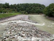 Gruntowa wody skały A doskonalić scena obrazy stock