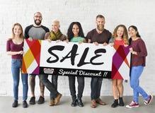 Grup Ludzi sprzedaży promoci Specjalnego rabata pojęcie obraz royalty free