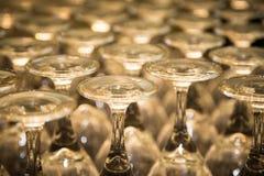 Grupa Błyszczący wina szkła trzony Zdjęcie Royalty Free