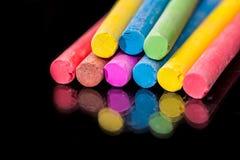 Grupa barwiona kreda rysować odosobnionego zdjęcie stock