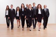 Grupa dyrektorów wykonawczych zbliżać się Obraz Royalty Free