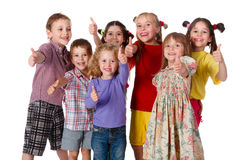 Grupa dzieci z aprobat znakiem Obrazy Stock