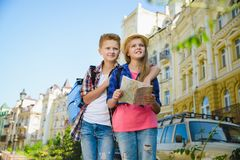 Grupa dziecko podróż w Europa Turystyki i wakacje pojęcie Fotografia Stock