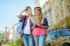 Grupa dziecko podróż w Europa Turystyki i wakacje pojęcie Obrazy Royalty Free