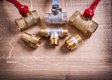 Grupa Fajczani włączniki I elementy wyposażenia Na Drewnianym fotografia stock