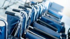 Grupa falcowanie wózek inwalidzki w szpitalu obraz royalty free