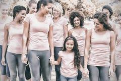 Grupa kobiety wspiera nowotwór piersi kampanię obraz stock
