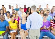 Grupa Ludzi w spotkaniu zdjęcia royalty free
