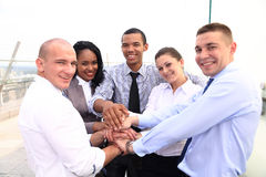 Grupa ludzie biznesu Łączy rękę lub Jednoczący zdjęcia stock