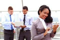 Grupa ludzie biznesu z biznesmena liderem zdjęcia stock