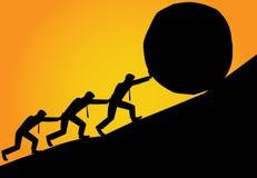 Grupa mężczyzna próba ruszać się kamienną piłkę wierzchołek wzgórze royalty ilustracja