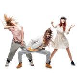 Grupa młodzi femanle hip hop tancerze na białym tle Zdjęcie Royalty Free