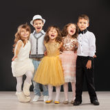 Grupa modni dzieciaki w uroczystym odziewa Obraz Royalty Free
