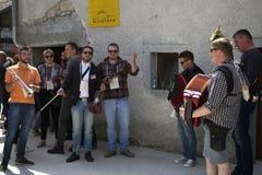 Grupa muzycy przy wino festiwalem fotografia royalty free