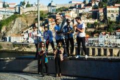 Grupa muzyka Jazzowego zespołu sztuki muzyka w ulicie stary Porto śródmieście obrazy royalty free