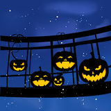 Grupa na moscie na Halloweenowej bani Fotografia Stock