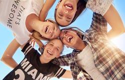 Grupa nastolatkowie zdjęcia royalty free