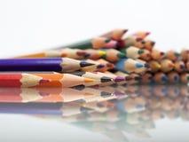 Grupa ostrze barwioni ołówki Zdjęcia Royalty Free