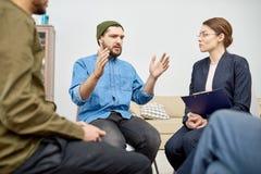 Grupa Pomocy Przechodzi Psychologiczną terapię Zdjęcie Royalty Free