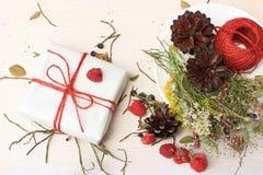 Grupa przedmioty dekorujący w prostym wieśniaka stylu zdjęcie stock
