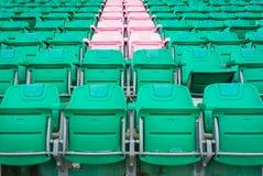 Grupa puste siedzenie lub krzesło w stadium, teatrze lub conxert, Zdjęcia Royalty Free