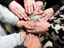 Grupa ręki Łączyć Wpólnie Wyrażający pracy zespołowej zgodę fotografia royalty free