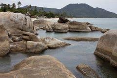 Grupa skały na plaży Fotografia Royalty Free