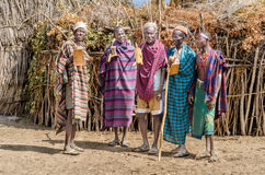 Grupa starzy człowiecy od Arbore plemienia fotografia stock