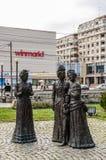 Grupa statuy w w centrum Ploiesti zdjęcie royalty free
