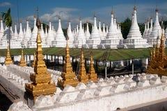 Grupa stupas w Sanda Muni Paya świątyni Myanmar Obraz Stock