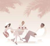 Grupa trzy pije czerwone wino pod palmami Retro stylowa lato scena Zdjęcie Royalty Free