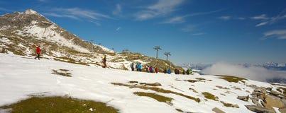 Grupa turystyczny niedaleki ośrodek narciarski Kaprun zdjęcia stock
