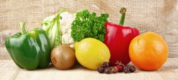 Grupa warzywa pełno i owoc witamina C zdjęcie stock