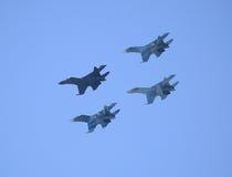Grupa wojownicy wykonuje rhombus lot Zdjęcie Stock