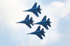 Grupo aeroacrobacia Strizhi de Rusia Foto de archivo