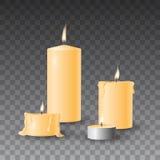 Grupo amarelo bonito do vetor de velas ardentes realísticas no fundo transparente ilustração royalty free