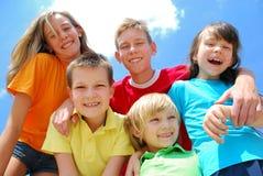 Grupo amigável de crianças Fotos de Stock Royalty Free