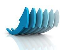 Grupo azul cada vez mayor de las flechas en la reflexión blanca Negocio del éxito Foto de archivo