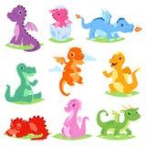 Grupo bonito da ilustração da libélula do vetor do dragão dos desenhos animados ou do dinossauro do bebê de caráteres de Dino do  Imagens de Stock