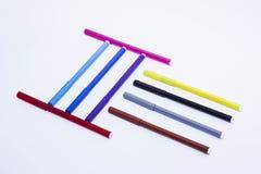 Grupo colorido da pena de marcador no fundo isolado com trajeto de grampeamento Highlighter vívido e espaço vazio para seu projet foto de stock