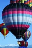 Grupo colorido de balões de ar quente imagens de stock