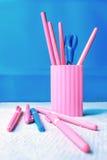Grupo cor-de-rosa e azul dos artigos de papelaria Imagem de Stock Royalty Free