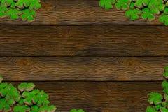 Grupo da celebração da luz do patrica de Saint do dia - pilha verde dos símbolos das folhas do trevo de espaço perfumado da cópia imagem de stock royalty free
